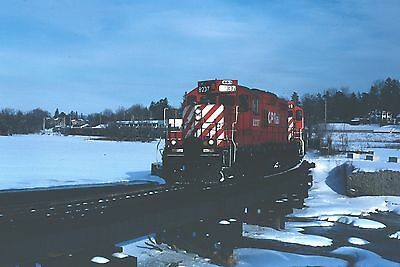 CPR Canadian Pacific GP9u with autorack train from Toyota plant  Kodachrome  #2