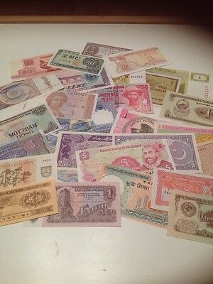 29 Banknotes from around the World, Various  Africa, Finland, Bhutan, Asia etc
