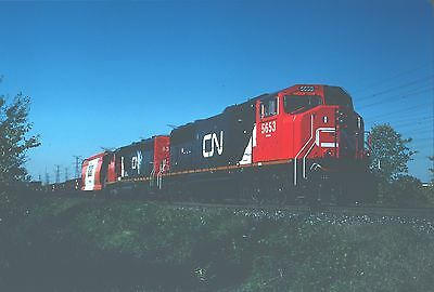 CNR Canadian National SD75I 5653 - nice view with train - fresh paint!