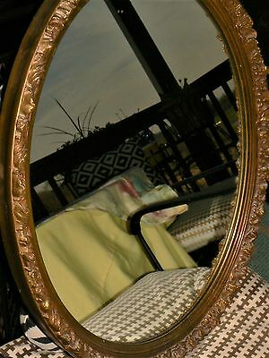 Beautiful Vintage OVAL GOLD GILTED WALL MIRROR Ornate Victorian style