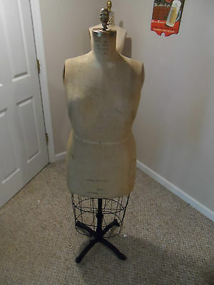 Vintage Seperior  Dress Form Collapsible 1953 Size 20 1/2 Cast Base