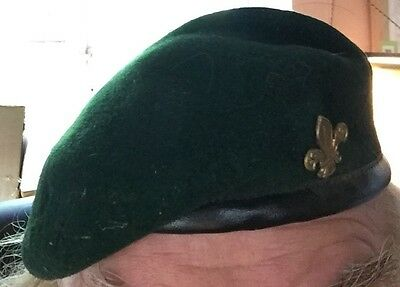 Scouts UK, 1980's lined beret with badge: 7 1/8 / 58