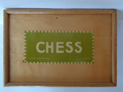 Jaques Saunton of   London vintage weighted wooden chess set 1940,s