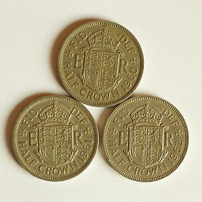 Three consecutive Elizabeth II HALF CROWNS dated 1960 to 1962