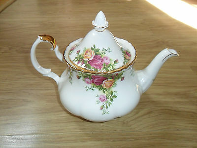 "Royal Albert Old Country Roses 2,1/2"" Pint Large Teapot"" 1.st,q, 1962,"