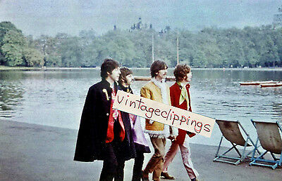 THE BEATLES Walking in Hyde Park London 1967 candid fan photo 10x15cm sgt pepper