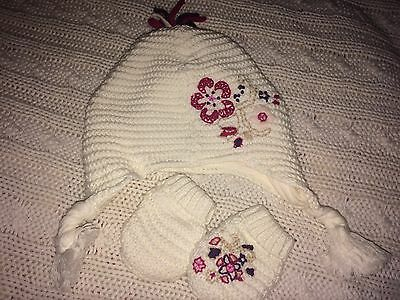 Gorgeous Hat And Mitts For Baby 0-3 Mths Mamas And Papas