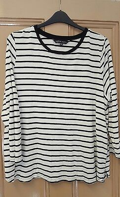 long sleeve t-shirt top size 26 white and black stripe