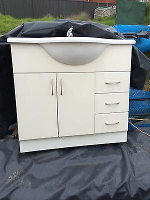 Used 900mm BATHROOM VANITY with CERAMIC TOP And Tap