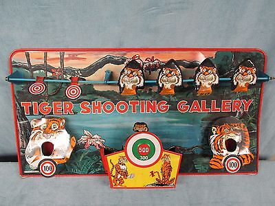 Vintage 1966 Marx Toys Tin Litho Wind-Up Tiger Shooting Gallery Toy L