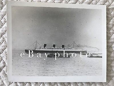RMS Queen Mary Private Photo with Flags Flying / Cunard White Star