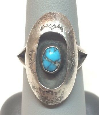 Vintage Sterling Silver Southwestern Navajo Turquoise Solitaire Ring - Sz 7