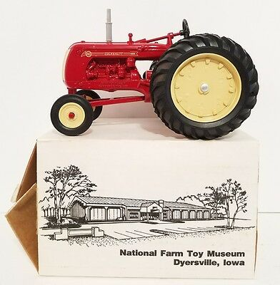 ERTL National Farm Toy Museum COCKSHUTT 40 1987 1/16 NIB