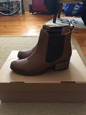 Seed Women's Brown Caramel Chelsea Boot Size 36
