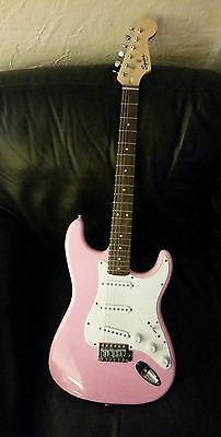 Squire By Fender PINK   Bullet Strat   electric guitar
