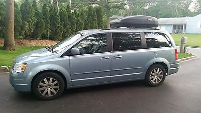 2008 Chrysler Town & Country  Fully loaded Town and Country