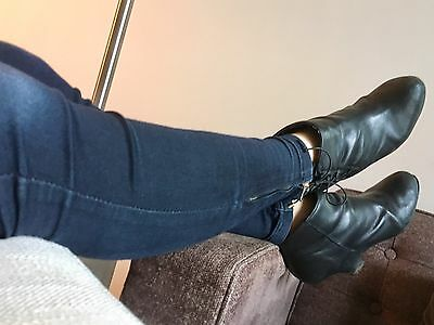 Well worn Shoes - Black leather high heel ankle boots