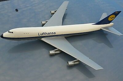 Lufthansa Boeing 747 1/100 Scale Model Aircraft Airplane Made In Great Britain