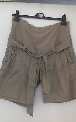Lovely H&M Size 14 Maternity Shorts....Free Postage!!