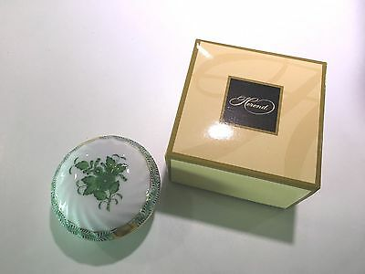 Herend Hand Painted Small Trinket Lidded Box. Pattern AV Chinese Bouquet