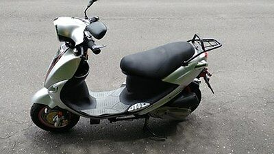 Genuine Buddy 170i Motor Scooter