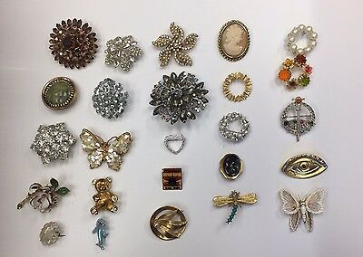 Lot of 25 Vintage Costume Pins / Brooches
