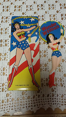 "DC Comics Inc. 7 1/2"" Wonder Woman Hand Mirror 1978 Avon Original Box"