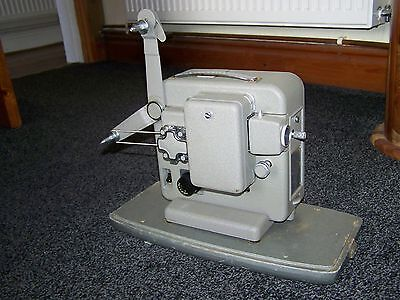 Agfa Movector E8 8mm Film Projector in working order and with hard case.