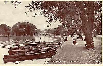 Old Valentines Postcard - Bedford - The Embankment
