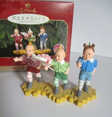 """Hallmark Ornament Wizard Of Oz  """"the Lollipop Guild""""    Set Of 3  Dated 1998"""