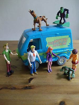 Scooby Doo figures the Mystery machine set shaggy monsters Rare Vintage