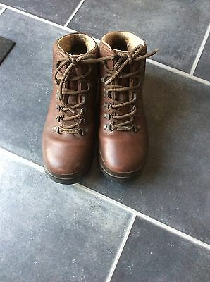 brasher walking boots Size 5.5
