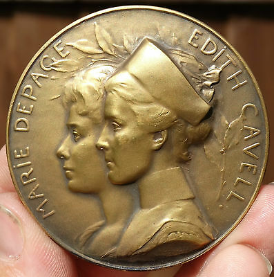 SUPERB & RARE !!! AE 61mm  BRITISH FIRST WORLD WAR MEDAL of  EDITH CAVELL  1915