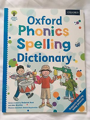 Oxford Phonics Spelling Dictionary (paperback) Roderick Hunt and Alex Brychta