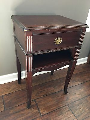 Antique Wood BERKEY and GAY End Table / Nightstand - Vintage