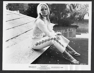8x10 Photo~ THREE IN THE ATTIC ~1968 ~Yvette Mimieux ~Barefoot in Sandals