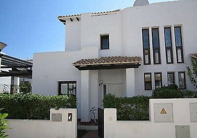 Holiday Rental Villa With Jacuzzi And Communal Pool And Near The Beach