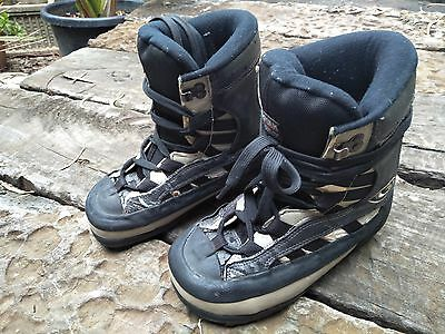 Snowboard boots - Size 7