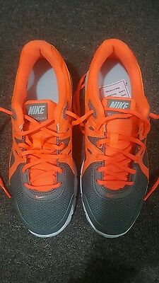 Ladies NIKE trainers shoes size 8