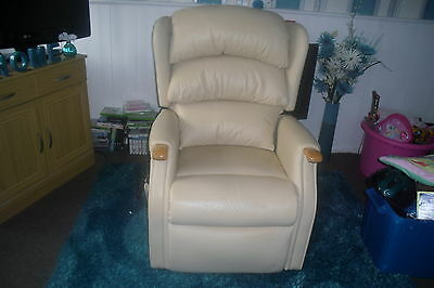 Celebrity Westbury Mobility Recliner Chair