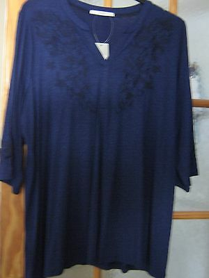 Women's Long Length Top in Size 22