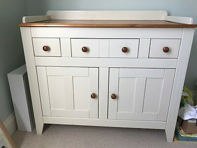 Changing table in good condition