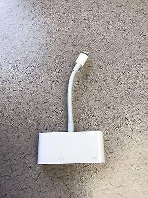 Genuine APPLE Lightning to TO VGA adapter MD825ZM/A - A1439