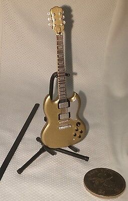 F Toys Guitar Mono 1:12 scale NOVELTY Stratype Solid Guitar type Gold 2 sp