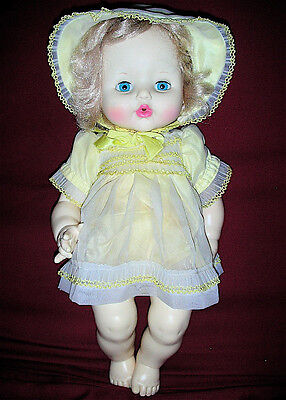 Vintage 1982 Ideal Betsy Wetsy Doll In Original Outfit