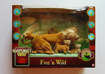 Free N Wild - Nature's Way - Grazing Animals - Lions & Cubs Figures / Dolls