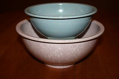 Unmarked Vintage Texas Ware Nesting Mixing Bowls: A111 Gray & A118 Confetti Pink