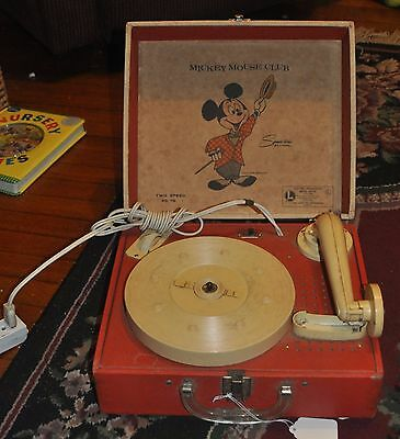 Lionel Mickey Mouse Club Electric Phonograph Model 41015 Walt Disney Production