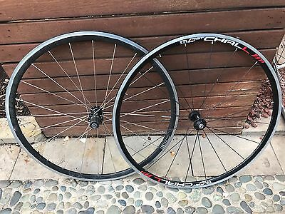 Mixed wheel set. Shimano/Sram 10 speed. Most challenge front/Velomax rear
