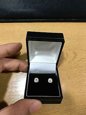 Stunning 1.00ct 18k diamond solitaire stud earrings - certified.
